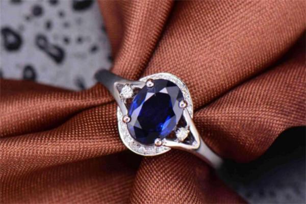 周福生珠宝蓝宝石
