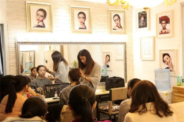 美之匠化妆教学时