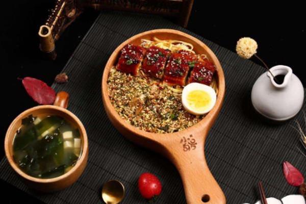 小句号日式料理鳗鱼