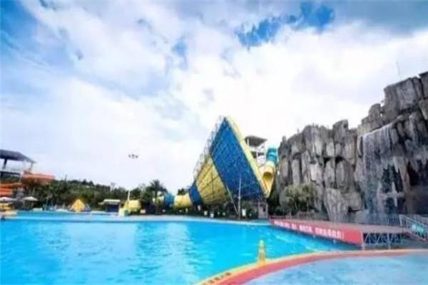 南湖水上樂園泳池