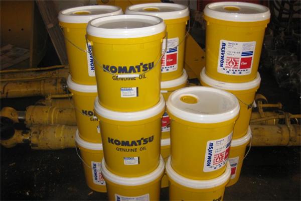 小松专用机油专业童桶装