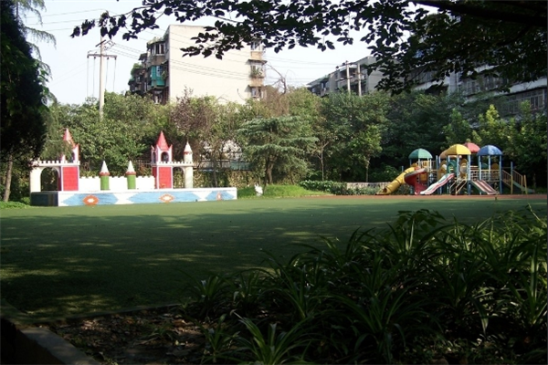 齐河幼儿园草坪