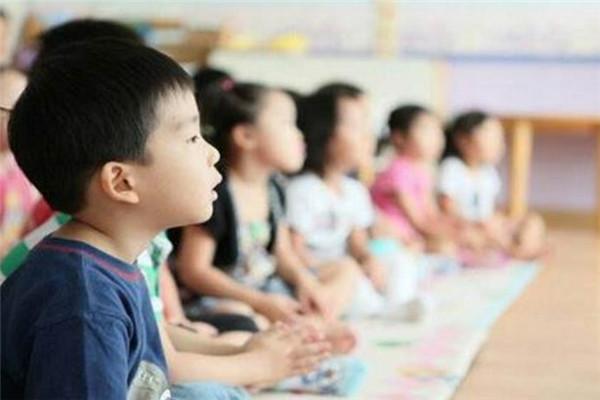 沁富双语幼儿园教学