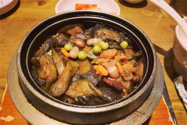 百年石鍋飯