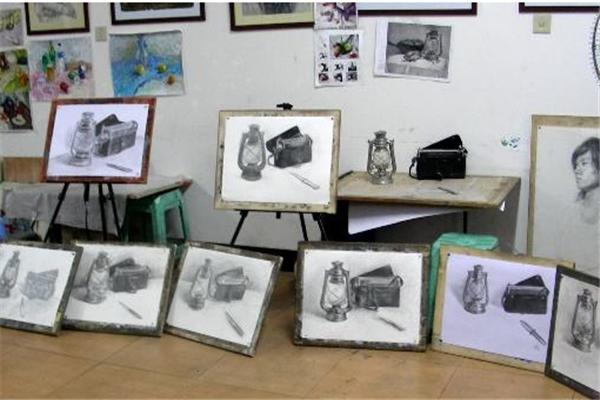 七月画室素描