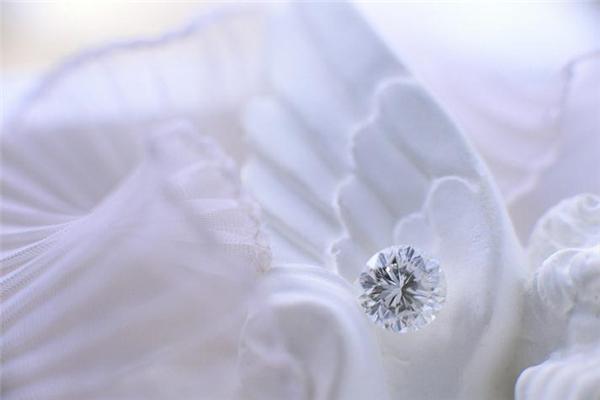 周太福珠寶宣傳