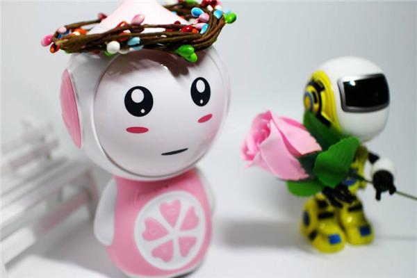 小朵智能机器人粉色
