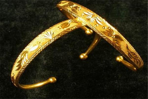 黃金碼頭戒指