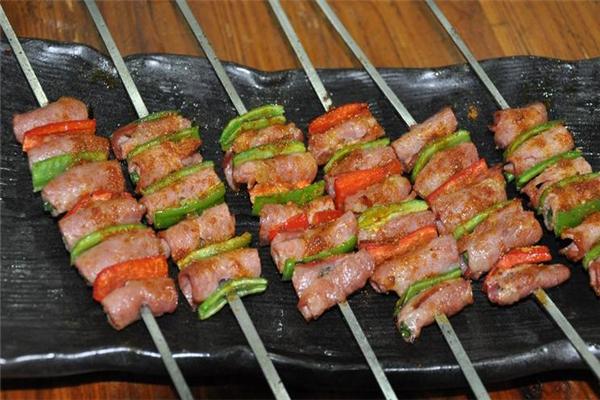 老郭燒烤烤活魚石鍋魚品牌