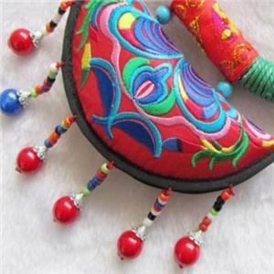 杜國榮民族飾品古樸