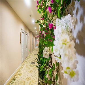 慢享主题酒店走廊