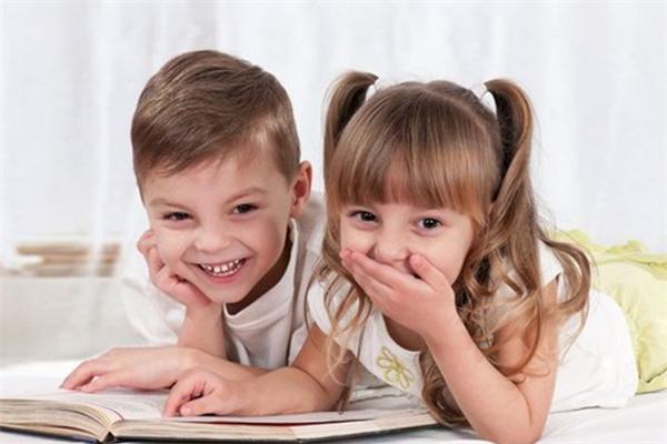 心時代家庭教育笑容