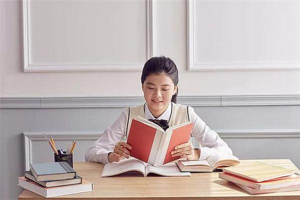 润莘泽教育看书
