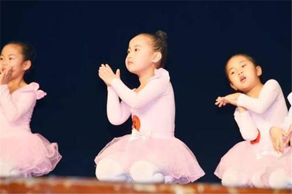 小蝸牛兒童舞蹈宣傳