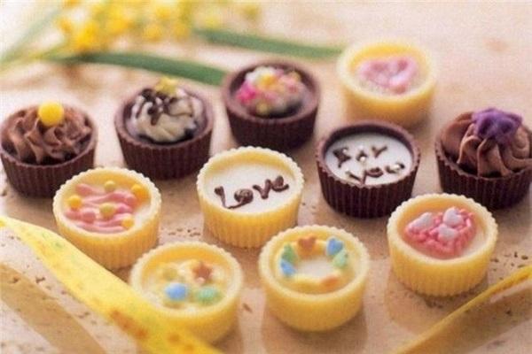 羡慕星法式甜品加盟