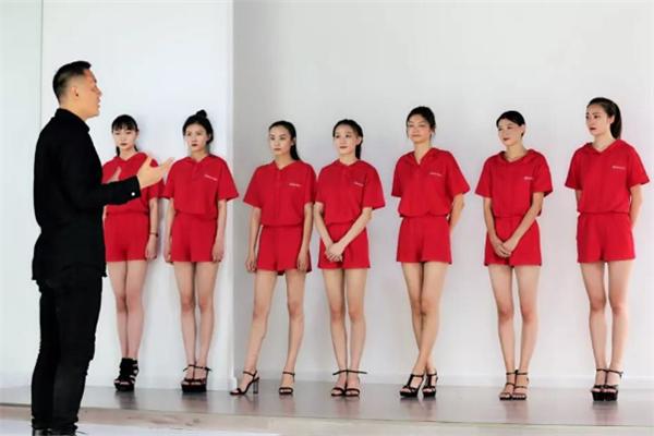 连线时尚模特培训