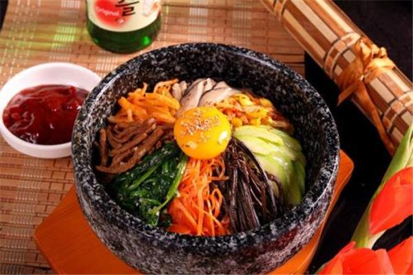 美味石锅拌饭特点