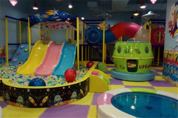 童爱岛儿童游乐园加盟