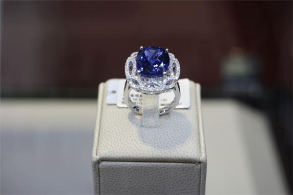 央福珠宝戒指
