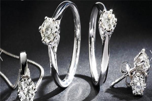 中坦珠宝戒指