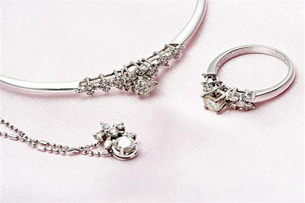 中坦珠寶品牌