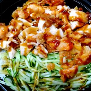 香吉烤肉拌饭黄瓜