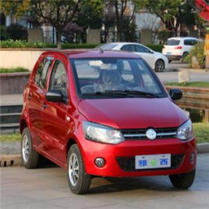 雅西电动汽车红色