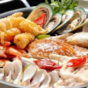 红鼎盛宴牛排海鲜火锅自助餐厅