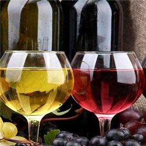 菲特堡干红葡萄酒清爽