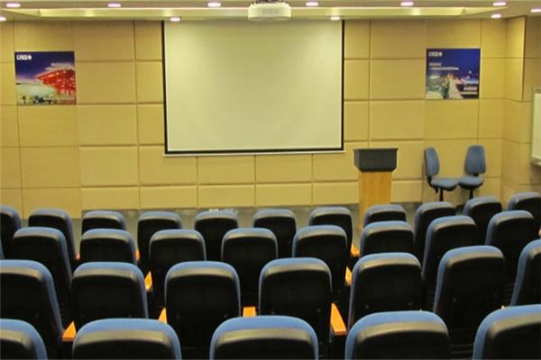 建讯教育教室