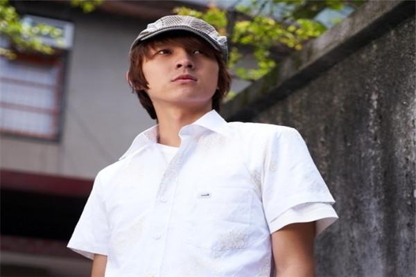 NATSUN男装白色短袖