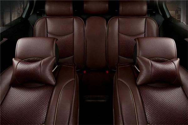 新明汽车棕色座套