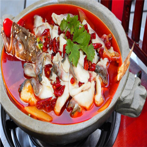 胡記雞煲王石鍋魚