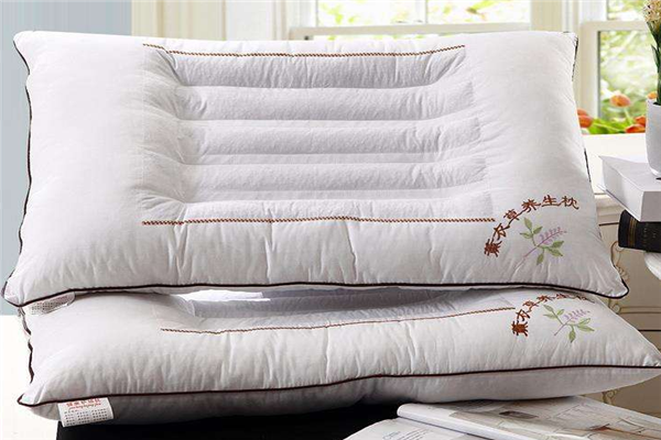 徳莉平养生枕三个