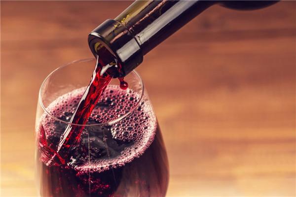 侯伯王葡萄酒美味