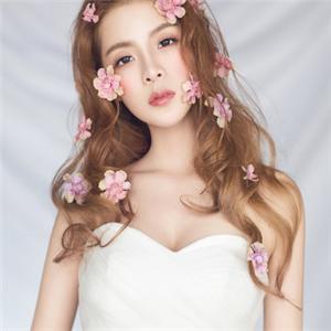 Pure彩妆造型馆花朵