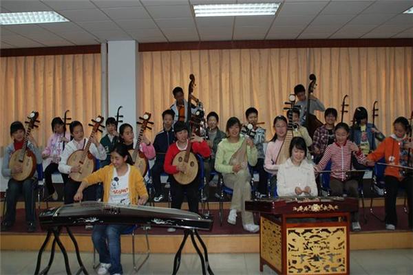 泉音艺术中心乐器