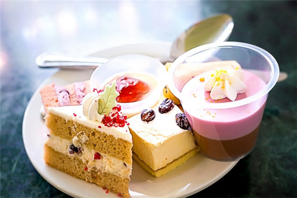 MANGOSEASON芒果季甜品宣傳