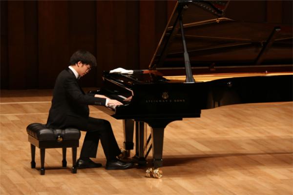 收放音樂英皇鋼琴加盟