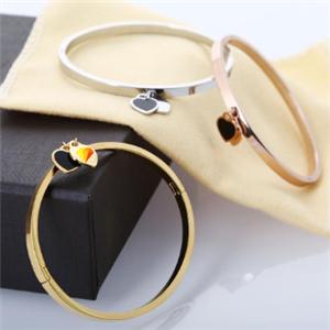 TFN蒂法妮珠宝戒指
