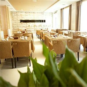 东华天瑞商务酒店餐桌