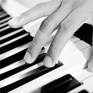龚琛晨钢琴艺术中心宣传
