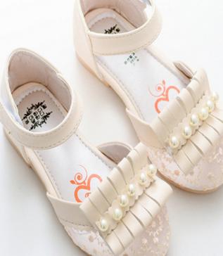 小鱼儿童鞋加盟