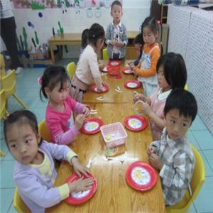 康乐艺术幼儿园课堂