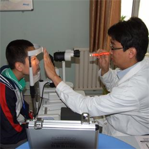 目悦明视力保健检查