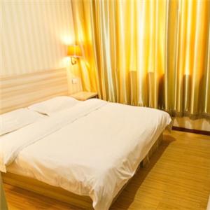 6+1快捷酒店大床房