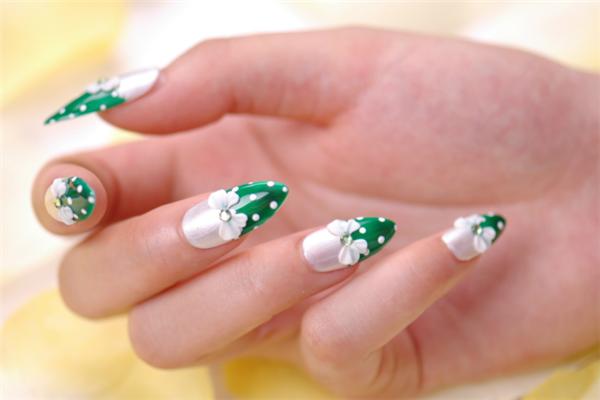 指间芭蕾美甲白绿