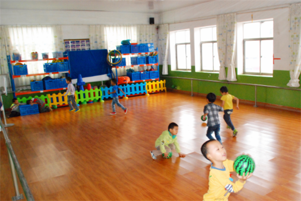 康乐艺术幼儿园运动