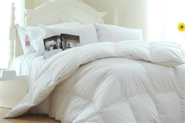 东煌床上用品白色