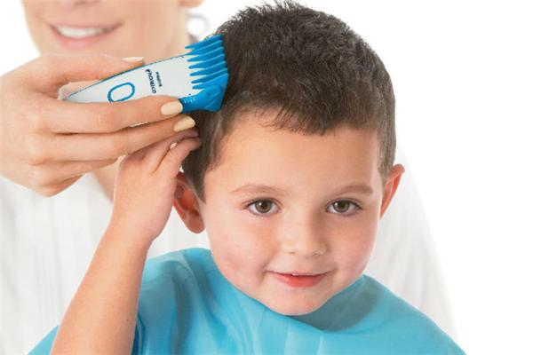 易佳乐婴儿理发器理发